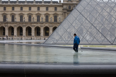 Cleaning the pools at the Louvre