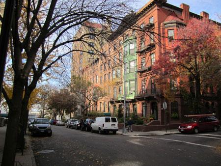 Brooklyn Heights, heading towards the Promenade